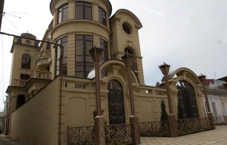 Фасады из рукельского ракушечника